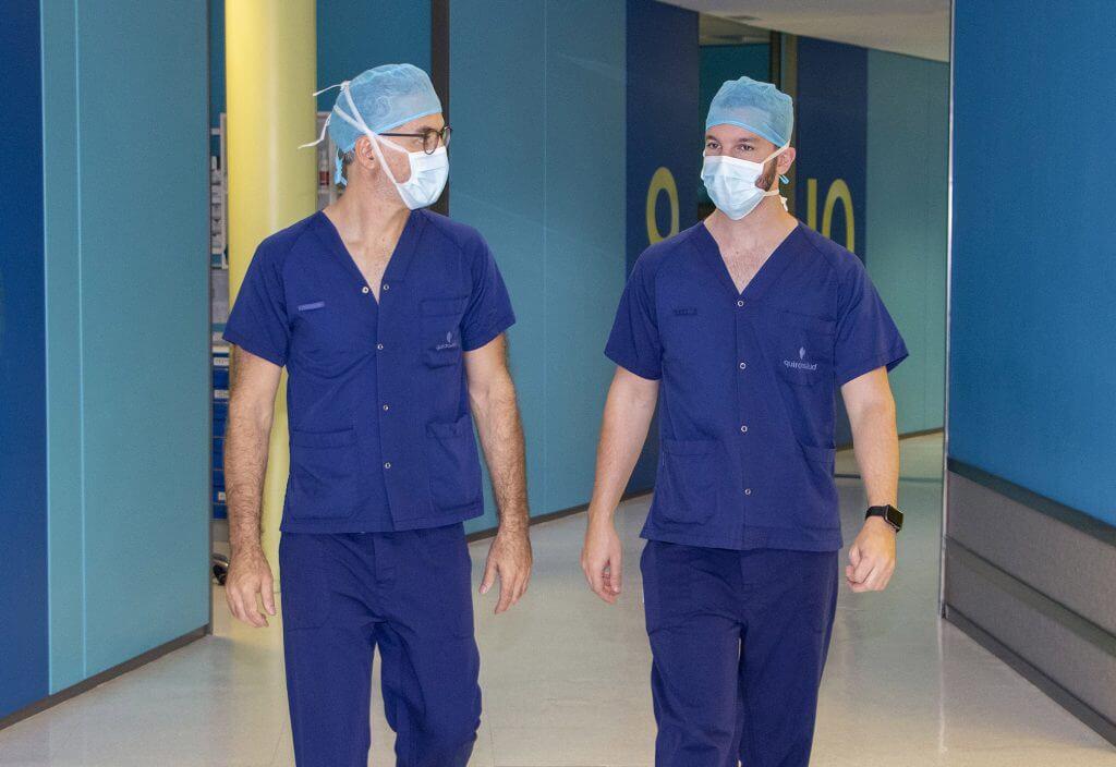 Doctores Sampron y Andermaten. Eminencias de la neurocirugía
